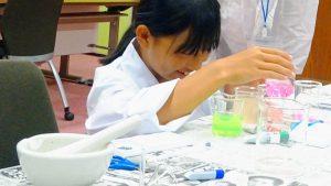 小・中学生向けの実験教室