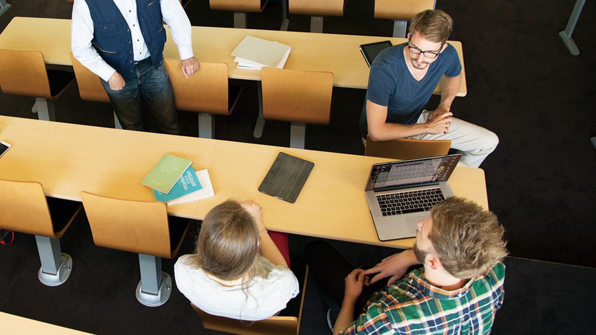 専任教員の約8割は外国人学内の公用語は英語