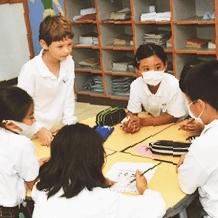 香港の日本人学校で、ある日の英語の授業の様子