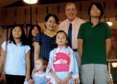 ハワイにて、妹の七五三を家族で祝ったときの写真