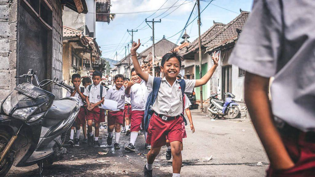 新学期、小学生は下校中の交通事故に要注意!