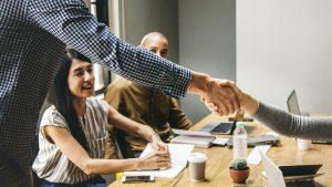 就職の採用面接時の態度(言語分野以外)で重要視されるのは「視線」