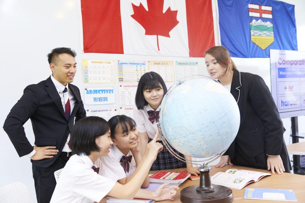国際理解力・論理的思考力を養う本校独自の教育プログラム